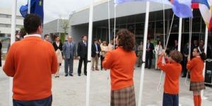 El alcalde de Las Rozas, Bonifacio de Santiago, junto a la consejera de Educación, Lucía Figar, inauguraron el nuevo colegio concertado Gredos San Diego. 14.06.2010
